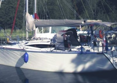 cobra 33 jacht żaglowy lewa burta
