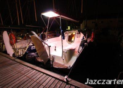 jacht nocą Piękna Góra