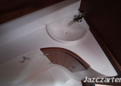 łazienka na jachcie nubian 24