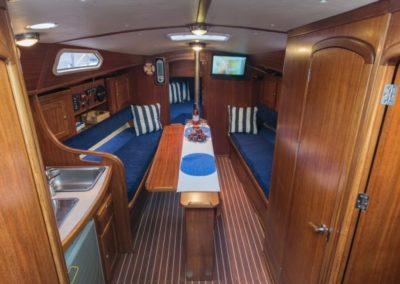 wnętrze jachtu tes 32 dreamer