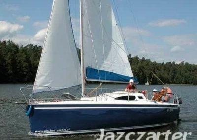 jacht żaglowy phobos 24 czarter mazury saipan