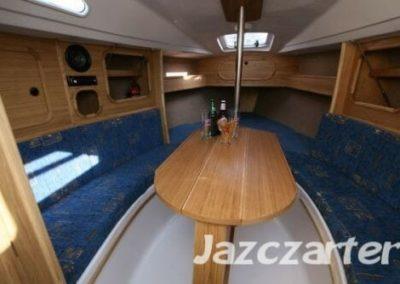 jacht Tes 678 stół