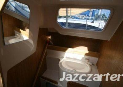 wnętrze łodzi TES 678 BT