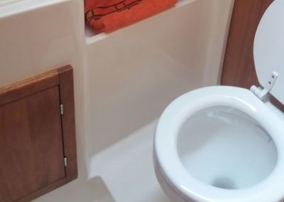 Toaleta morska Cobra 33