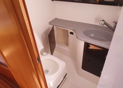 Toaleta jachtu Maxus 33 Atena